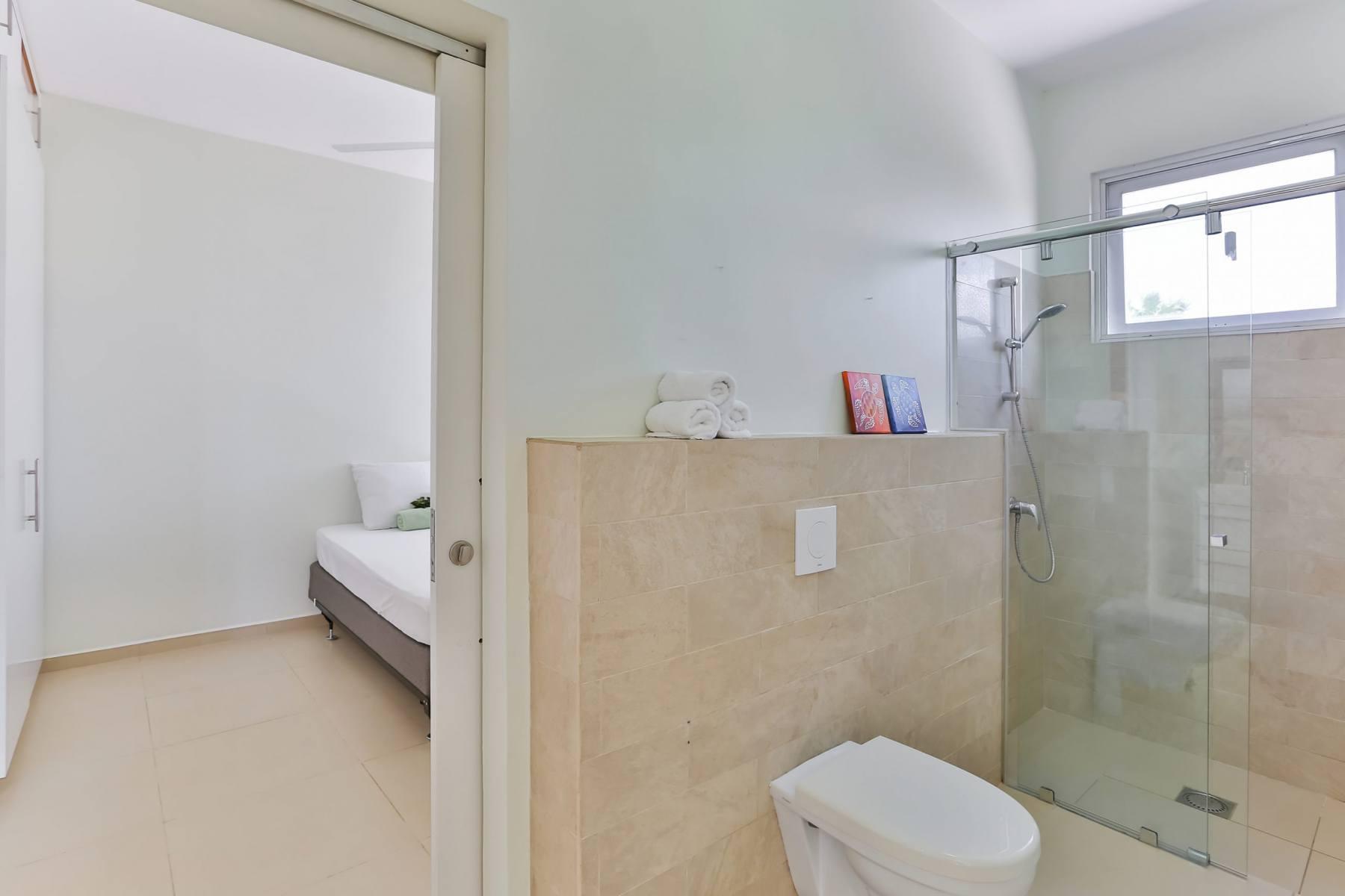 Badkamer-bij-slaapkamer-2-scaled